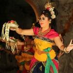 Foxy_Fox_Bali_Ubud_DanceShow2